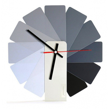KIBARDINDESIGN TRANSFORMER ANALOG CLOCK / WHITE & MONOCHROME